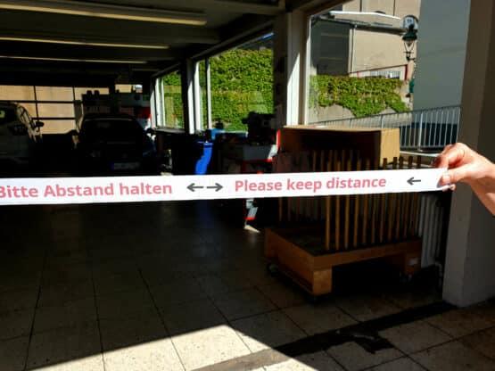 """Band """"Bitte Abstand halten"""", 1,5 m lang, inkl. Klettverschluss - corona-hilfsmittel"""