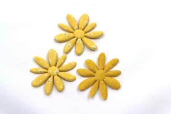 Dekoblüte gelb geblümt, 52 mm, 20 Stück - accessoires