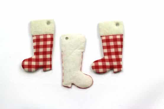 Geschenkanhänger Stiefel, rot-kariert, 52 mm, 20 Stück - geschenkanhaenger, accessoires