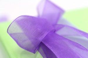 Geschenkband - Organzaband lila