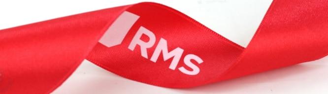 Expertentipp: so gelingt weißer Logodruck auf rotes Band - personaliserte-bander
