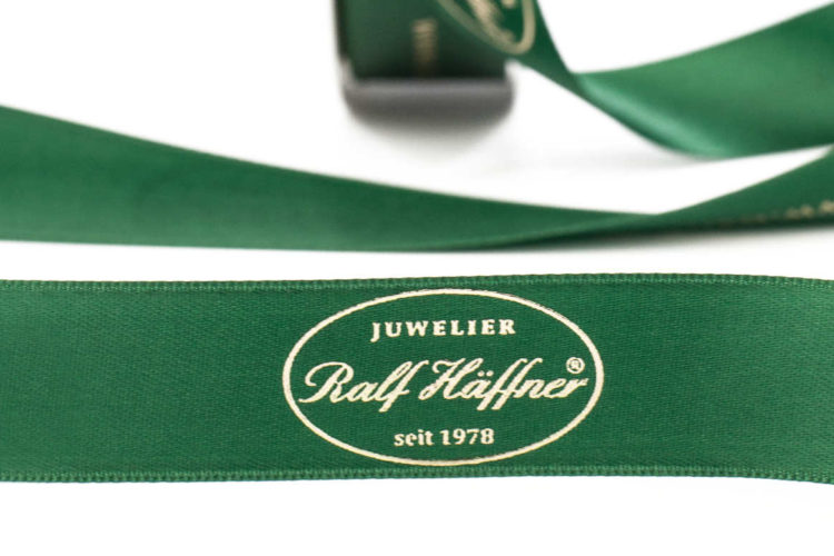 Anspruchsvolle Juweliere zeigen auch beim Geschenkband Stil - weihnachtsgeschenke, personaliserte-bander, juwelier