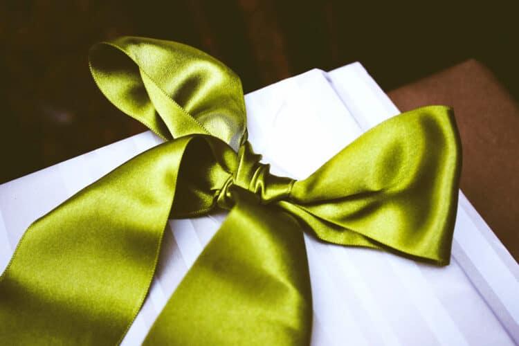 8 Profi-Tipps zum Einpacken von Geschenken - weihnachtsgeschenke, tipps-tricks, geschenkverpackungen, geschenke-leicht-eingepackt