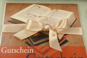 Geschenkgutscheine schön verpackt - parfumerie, buchhandlung