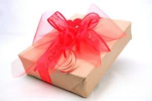 Geschenkband mit Herzen -