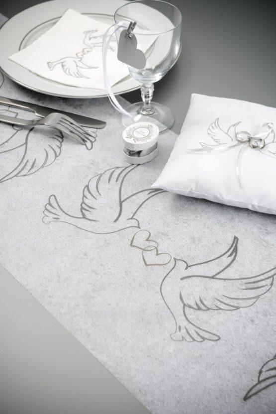 Vlies-Tischläufer Hochzeitstauben, 30 cm breit - vlies-tischlaeufer