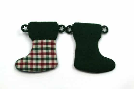 Nikolausstiefel aus Filz, grün-rot-kariert, 52 mm, 24 Stück - geschenkanhaenger, accessoires